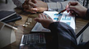 איך לבחור בית השקעות